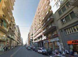 5244 - Via Malta-D'Annunzio, ampio luminoso 5 vani