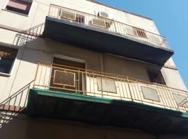 5955 - Via Acquedotto Greco, intero palazzetto con terrazzo
