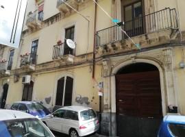6337 - Garibaldi (centro), luminoso conveniente 3 vani