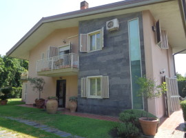 6560 - Prestigiosa villa singola, 1000 mq giardino